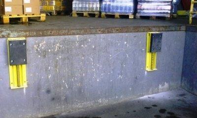 Буферный амортизатор для подъезда автомобиля к зоне погрузки-разгрузки